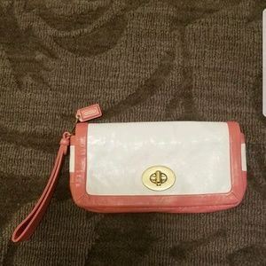 Coach Cricket leather clutch 42641 coral white